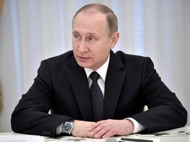 Путин резко снизил стаж