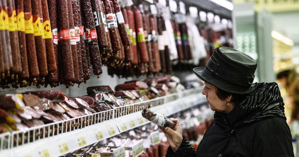 Вся колбаса в магазинах