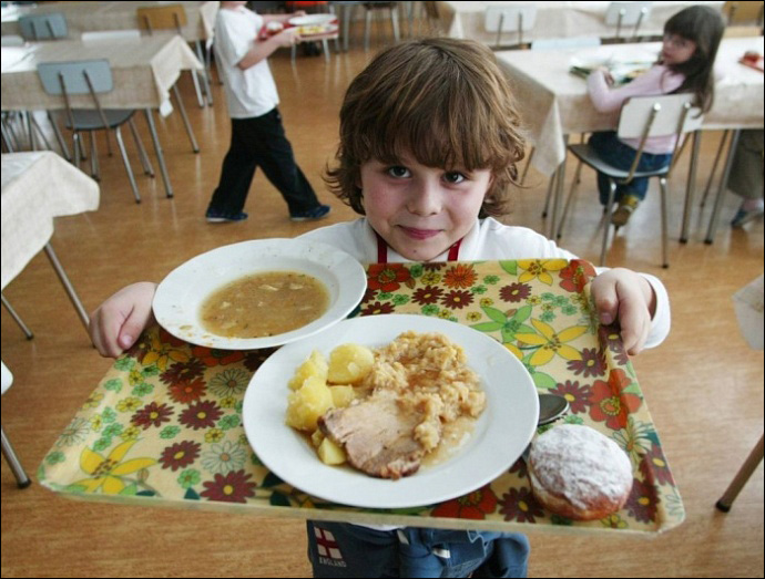 обед в Ангарских школах