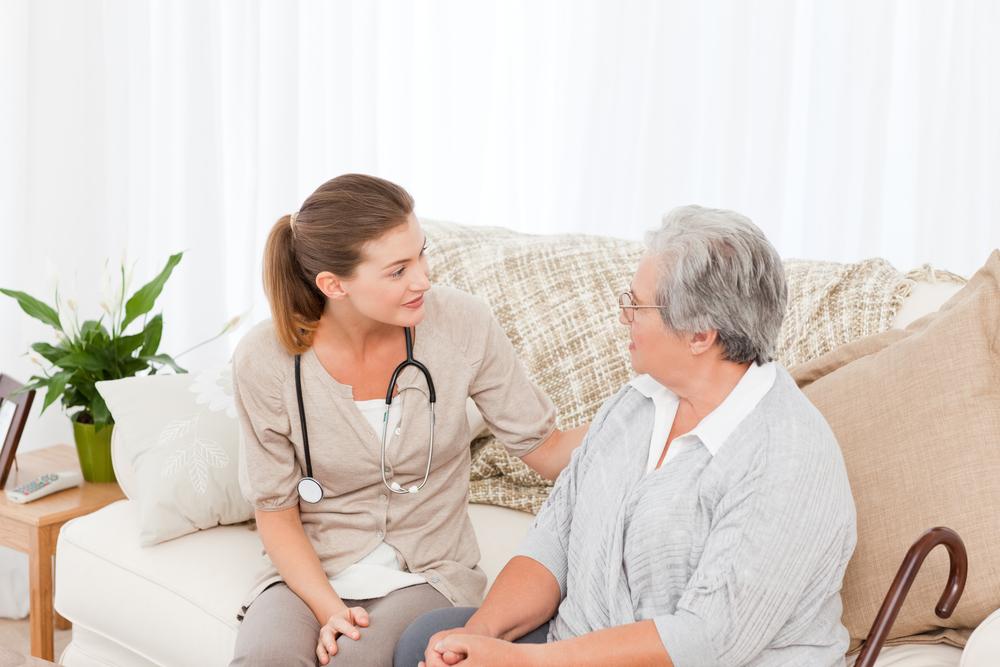 медицинская помощь на дому пожилым людям