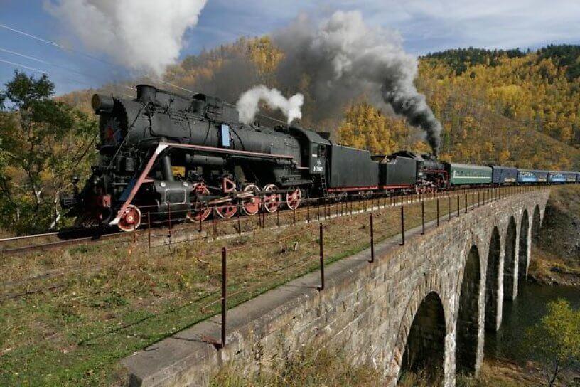 Forbes включил «Кругобайкалку» в число самых красивых железнодорожных маршрутов мира