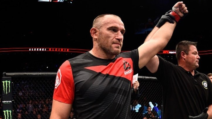 Алексей Олейник UFC