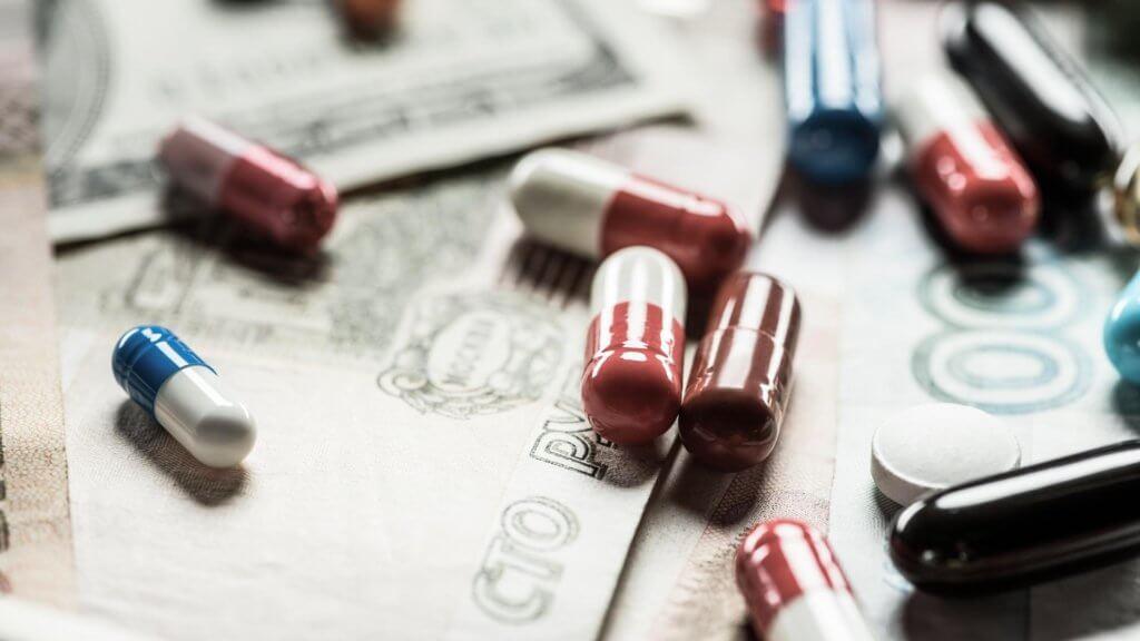 Последнее звено: кто украл бесплатные лекарства для онкобольных