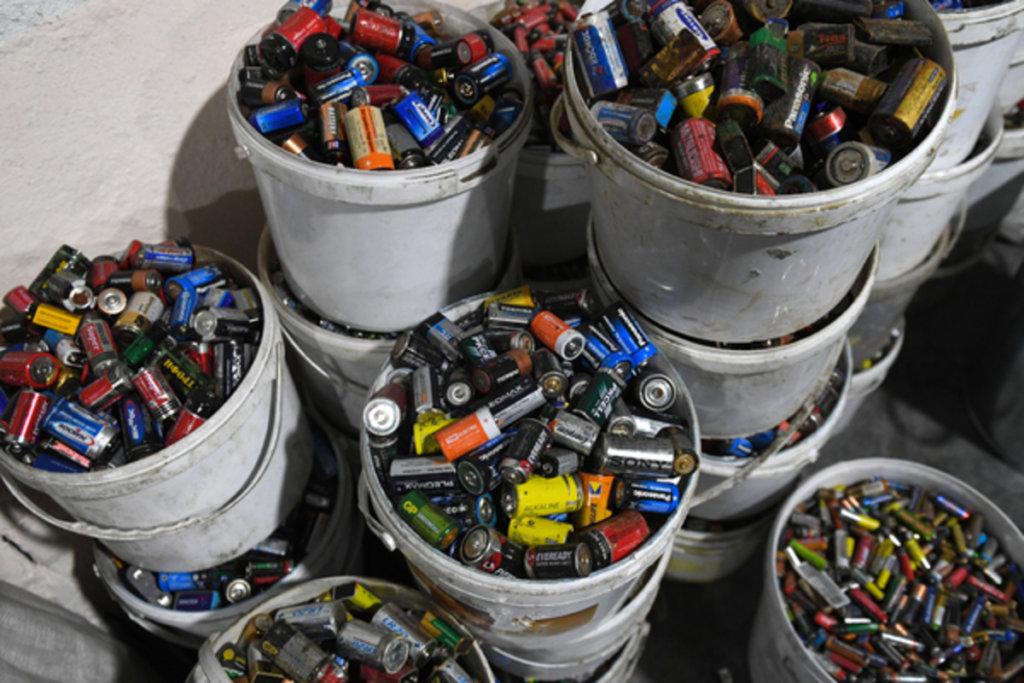 В Иркутске весной организуют сбор отработанных батареек и вторсырья