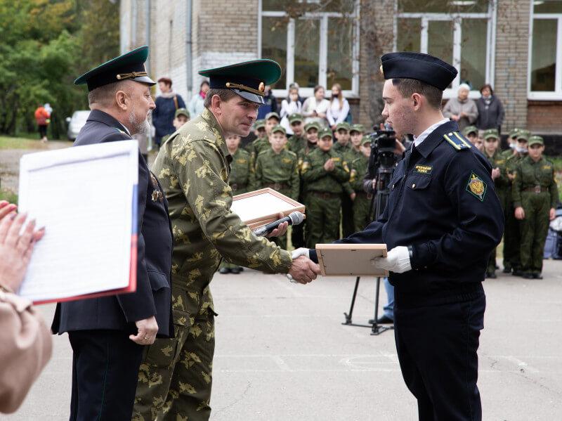 Сто учащихся ангарской школы № 39 стали кадетами и курсантами